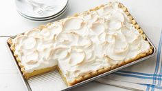 Lemon Meringue Slab Pies - This lemon meringue slab pie is perfect for serving a crowd. Lemon desserts are popular and this pie is no exception—it's great for potlucks and spring gatherings. Lemon Desserts, Lemon Recipes, Köstliche Desserts, Pie Recipes, Delicious Desserts, Dessert Recipes, Sweet Desserts, Impressive Desserts, Spring Desserts