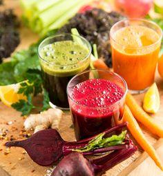 É fácil de preparar, saudável e ainda é uma delícia! Estou falando dos sucos detox: eles ajudam a eliminar as toxinas do organismo, melhoram o funcionamento do intestino, ativam o sistema imunológico e, ainda, aumentam a hidratação do corpo.