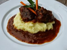 Czech Recipes, Ethnic Recipes, Beef Recipes, Ham, Mashed Potatoes, Grilling, Food And Drink, Health Fitness, Tasty