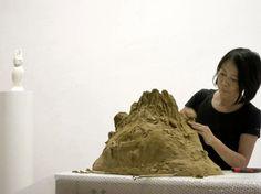 Leiko Imemura bei der Arbeit im Studio in Berlin