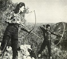 love this pic. from a vintage Ben Pearson Archery ad, Archery Hunting, Bow Hunting, Vintage Photographs, Vintage Images, Great Photos, Old Photos, Outdoor Girls, Traditional Archery, The Fox And The Hound