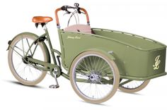 I NEEEEEEEED this to cart around all my baby nieces & nephews! Dutch Delight Seven Speed Cargo Tricycle by Johnny Loco on Gilt Home Uk Department Stores, Anjou Velo Vintage, Surfboard, Le Tricycle, Electric Cargo Bike, Electric Utility, Velo Design, Velo Cargo, E Biker