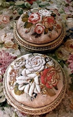 Two Fabulous Footstools Modern Embroidery, Beaded Embroidery, Embroidery Stitches, Embroidery Patterns, Hand Embroidery, Penny Rugs, Vintage Shabby Chic, Vintage Textiles, Rug Hooking