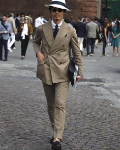 "andrealorenzofotografia: ""@shuhei_nishiguchi at Pitti Uomo 90 #firenze #pitti90 #pittiuomo #andrealorenzofotografia #alf #inspiration #gentleman #beam #hat #solaro #solarosuit #suit #tailor #bespoke #tailormade #gentleman (presso Fortezza da Basso) """