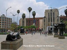 PLAZA BOTERO Y MUSEO DE ANTIOQUIA...............MEDELLÍN- COLOMBIA http://www.chispaisas.info/medallo19.htm