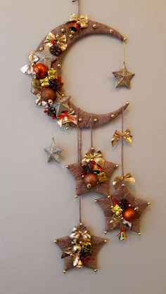 Diy Crafts - 100 Creative Christmas Decor for Small Apartment Ideas Which Are Merry & Bright - Hike n Dip Decor Crafts, Holiday Crafts, Diy And Crafts, Tree Crafts, Holiday Decor, Home Decor, Ramadan Decorations, Christmas Decorations, Christmas Wreaths