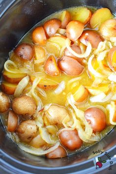 Crock Pot Baby Potatoes & Caramelized Onions | Easy Side Dish Recipes Vidalia Onions, Caramelized Onions, Baby Red Potatoes, Crock Pot Potatoes, Holiday Side Dishes, Brown Butter, Side Dish Recipes, Potato Recipes, Crockpot