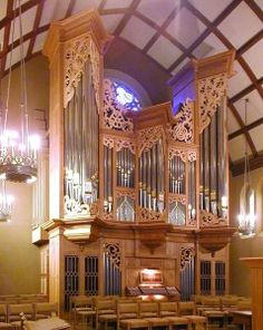 The Rosales organ at Trinity Episcopal Cathedral, Portland, the seat of the Bishop of Oregon; my future Organ and parish, of course.