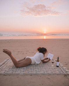 Tropical Beaches In California Beach Shoot, Beach Trip, Beach Day, Summer Beach, Winter Beach, Girl Beach, Pink Summer, Summer Days, Summer Time