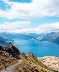 Is this Isthmus? It is. This is Isthmus. Say that 10 times fast.  Pic: @sophiepiearcey #hakatours _________________________________  #isthmuspeak #summer #nz #travel #newzealand #kiwi #instatravel #travelgram #landscape #nature #northisland #southisland #aotearoa #scenery #sceneryporn #beautiful #breathtaking #ourplanetdaily #neverstopexploring #lonelyplanet #splendid_earth #tourtheplanet #beautifuldestinations #igbest_shotz #naturelovers #roamtheplanet #worldshotz #wanderlust #openmyworld