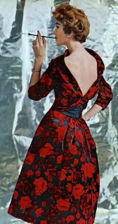 "Very similar to or the dress that Eva Marie-Saint wore in ""North by Northwest"""