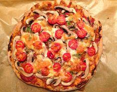 Az+eddigi+legjobb+teljes+kiőrlésű+pizza+receptem.+Ott+ropog,+ahol+kell.+Ott+puha,+ahol+kell.+Rugalmas+és+könnyen+kezelhető+tészta.+Ez+most+TK+tönkölylisztből+készült,+de+TK+búzaliszttel+is+helyettesíthető.    Hozzávalók:  150+g+teljes+kiőrlésű+tönkölybúzaliszt100+g+búza…