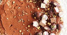 Tarjoa talvinen klassikkodrinkki vaihteeksi leivonnaisena. Irish Coffee -moussekakku saa täyteläisen makunsa piparipohjasta sekä kahvilla ja viskillä maustetust