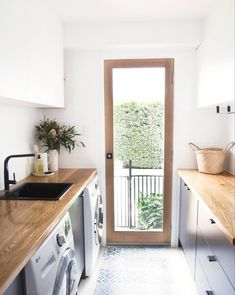 The hardest working room in your home … our laundry design - Laundry mud room - Modern Laundry Rooms, Laundry In Bathroom, Laundry Pods, Laundry Basket, Laundry Closet, Laundry Hacks, Home Remodeling Diy, Home Renovation, Basement Remodeling