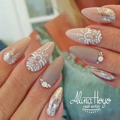 318 Likes, 3 Comments - Alina Hoyo Nail Artist ( on Instagr. 318 Likes, 3 Com Elegant Nails, Classy Nails, Cute Nails, Pretty Nails, Henna Nails, Gel Nails, Henna Nail Art, Acrylic Nails, Perfect Nails