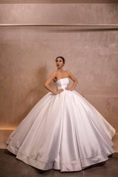 Stunning Wedding Dresses, Country Wedding Dresses, Princess Wedding Dresses, Colored Wedding Dresses, Dream Wedding Dresses, Beautiful Gowns, Bridal Dresses, Boho Wedding, Pretty Quinceanera Dresses
