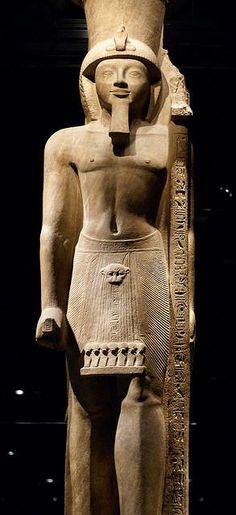 Torino, Museo Egizio, sculpture of pharaoh Seti II.