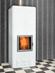 Hilda 75 is a graceful heat-storing tiled stove, which combines the tiled stove's timeless modern design and a pinch of retro. Hulk, Living Room With Fireplace, Retro, Home Decor, Homemade Home Decor, Rustic, Interior Design, Home Interiors, Decoration Home