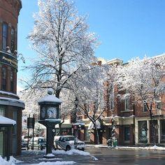 Main Street, Bennington, Vermont. Photo courtesy of mjtraynor on Instagram.