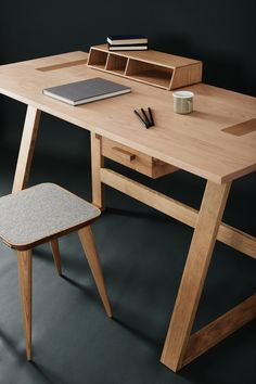 As I've said, this is the *EASIEST* way to start your woodworking projects - Grab woodworking plans here Custom Furniture, Wood Furniture, Furniture Design, Woodworking Furniture, Fine Woodworking, Woodworking Projects, Woodworking Jointer, Woodworking Apron, Home Desk