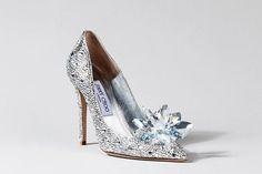 Une des chaussures revisitées de Cendrillon.