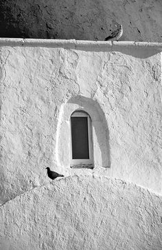 Βirds perched on pure white window - Mykonos, Greece by Stephania Dapolla Travel Music, Art Corner, Mykonos Greece, Best B, Wall Drawing, Bw Photography, Photo B, Kirchen, My Favorite Color