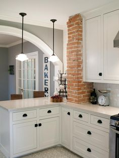 Prefer exposed accents to large sections of exposed walls. Exposed brick column (could do this with the original wall before it leads into the extension)