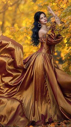 Beautiful Gowns, Beautiful Images, Beautiful People, Beautiful Women, Digital Art Girl, Happy Women, Art Model, Mellow Yellow, Woman Painting