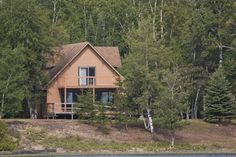 Located at a natural widening point in the Albany River, Miminiska Lake is ideal for those who enjoy a larger body of water to fish.
