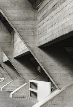 National Theatre side wall by Denys Lasdun South Bank Centre London British Architecture, Concrete Architecture, London Architecture, Concrete Building, Art And Architecture, Concrete Board, Constructivism Architecture, Brutalist Buildings, Concrete Sculpture