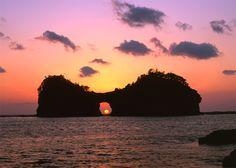 Sunset---Engetsu Island/Shirahama Beach/Senjojiki, Kansai region by www.wakayama-kanko.or.jp