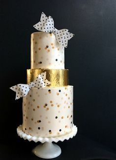Wafer Paper Hey there, Cupcake! san diego wedding cake, cakes san diego | CAKES -different bows needed