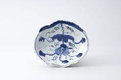 古染付瓜形栗鼠文向付 五客(中国・明時代・17世紀)高35mm 径148×128mm