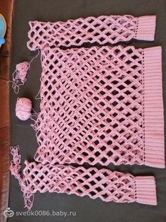 Crochet Off Shoulder Net Spring Sweater Free Pattern (Video): Crochet Tunic Sweater Gilet Crochet, Crochet Shirt, Crochet Jacket, Crochet Stitches, Knit Crochet, Knitting Blogs, Knitting Patterns, Crochet Patterns, Crochet Crafts