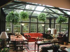 Aménagez votre véranda en jardin d'hiver. Choisissez les bons matériaux de construction et d'isolation et les plantes qui conviennent à cet intérieur.