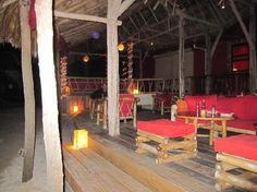 Rojo Beach Bar: the outside dining area