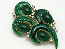 Designer Jewelry from CROWN TRIFARI Vintage L'ORIENT Emerald Green Snakeskin Enamel Brooch Pin Perfect Gift Idea.