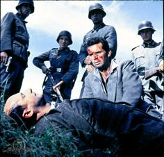 Still of Donald Pleasence and James Garner in The Great Escape