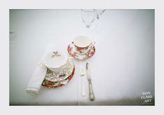 Vintage tea set on your wedding day //