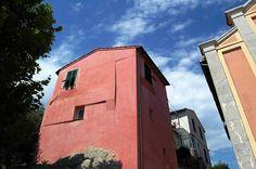 Mortola Inferiore Frazione di Ventimiglia (IM) Piazza San Mauro.