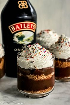 Bailey's Chocolate Pudding Parfaits! Chocolate Pudding with salty, buttery graham cracker crumbs make for a sweet & salty, smooth & crunchy irresistible dessert. The hint of Bailey's in the pudding doesn't hurt either! #justaddsprinkles #baileys #chocolate #pudding