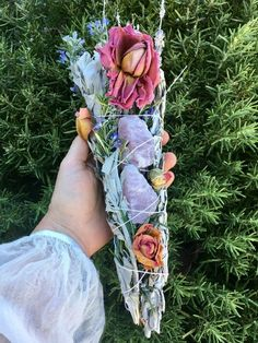 Natural Scent Make Your Home Smell Like Summer candle, fruit, natural, DIY natural scent How To Dry Sage, Enchanted Rose, Aromatherapy Candles, Smudge Sticks, Witch Aesthetic, Drying Herbs, Dried Flowers, Rose Quartz, Wands
