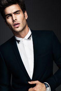 Black collar tips