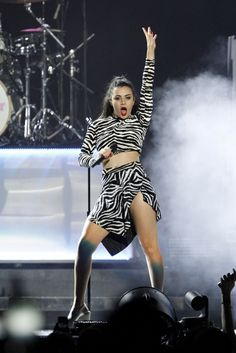 Charli XCX – Performs at O2 World in Berlin 13.03.15