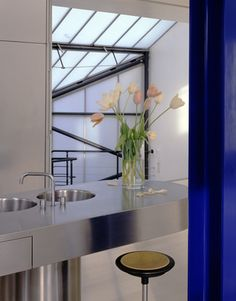 Richard Rogers home, kitchen, London. photography by Richard Waite