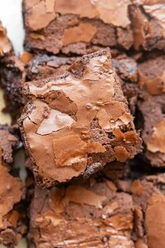 Almond Flour Brownies are rich and fudgy brownies made in one bowl and ready in 35 minutes! No grains and no refined sugar needed! Sugar Free Desserts, Low Carb Desserts, Low Carb Recipes, Dessert Recipes, Cooking Recipes, Gluten Free Sweets, Almond Flour Brownies, Keto Brownies, Gluten Free Brownies
