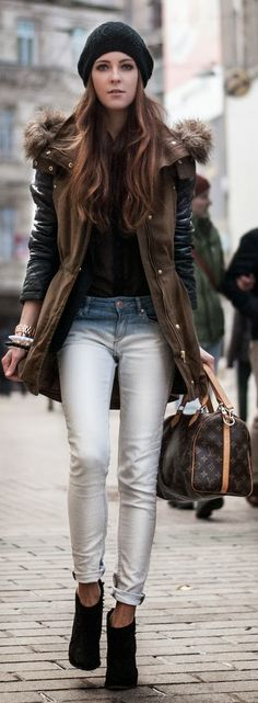 Love the jacket and the beanie, despite she carrying LV, which I find very boring.