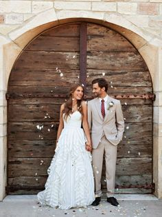 Fall 2014′s Most Romantic Wedding Gowns
