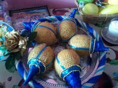Fruit Decorations, Wedding Flower Decorations, Coconut Decoration, Wedding Gifts, Wedding Ideas, Wedding Plates, Indian Weddings, Gift Packaging, Deli