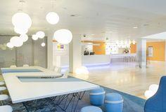 NUON nieuwAmsterdam interieur kantoor Heyligers 01 700x475 NUONs Amsterdam Headquarters / HEYLIGERS d+p